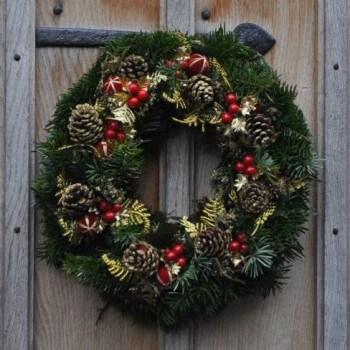 golden christmas wreath. Black Bedroom Furniture Sets. Home Design Ideas