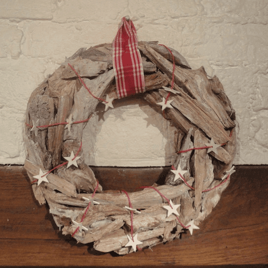 Natural driftwood wreath send me a christmas tree for How to make a hanging driftwood christmas tree